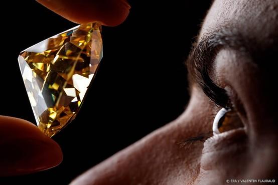 Diamant van 45 miljoen gestolen in Parijs