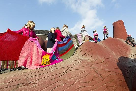 Aantal speelplaatsen in Beverwijk is gehalveerd, maar een Feestaardvarken is welkom