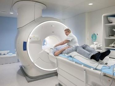 Medisch apparaat in Spaarne Gasthuis wordt mensvriendelijker: MRI met een bos vol panda's [video]