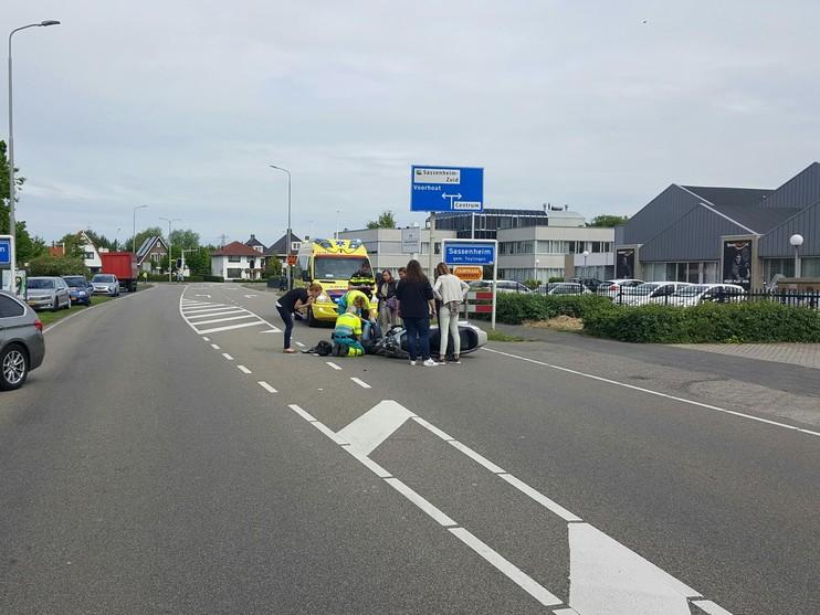 Motorrijdster gewond bij aanrijding Sassenheim