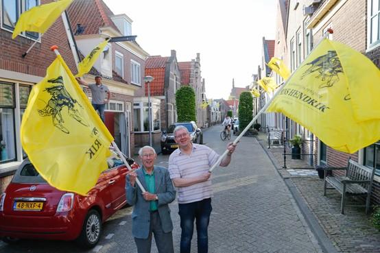 1100 gratis draverijvlaggen uitgedeeld in Medemblik