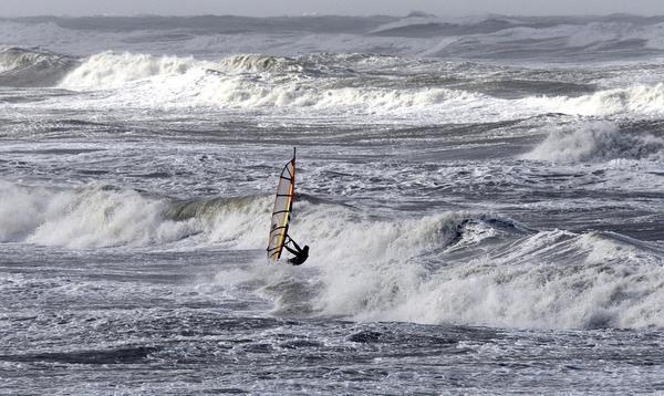 Reddingsbrigade waarschuwt voor gevaarlijke stroming in Noordzee