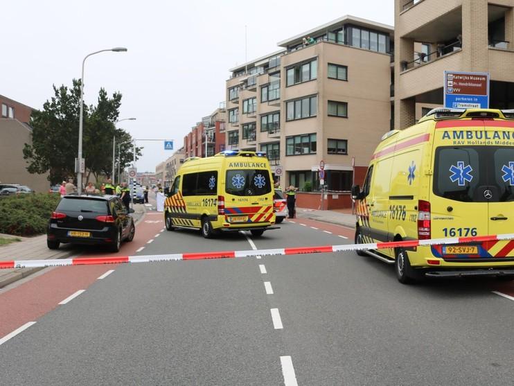 79-jarige vrouw gereanimeerd na aanrijding met auto in centrum van Katwijk