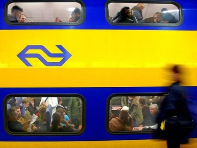 Treinverkeer rond Leiden hele avond ernstig verstoord