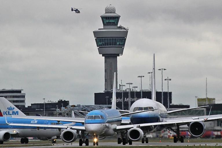 Drukte Schiphol drukt winst