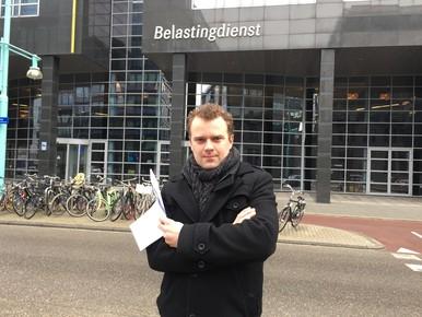 Beslag op Bergense villa Ferdy 'Loterijverlies' Roet [video]
