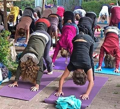 Yogasnoer verbindt Hoorn met de wereld