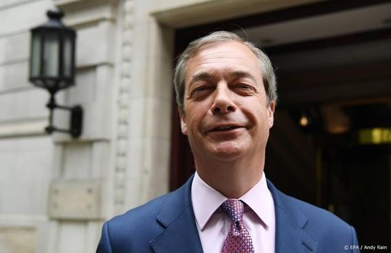 Milkshakegooier moet Farage betalen