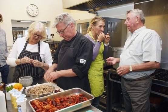Vragen van provinciale Partij voor de Dieren over masterclass rivierkreeften koken in Loosdrecht