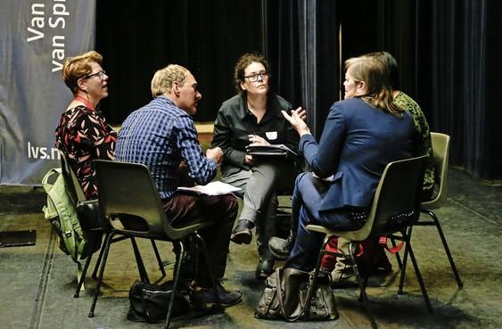 Speedconsult, omdenken en een opgepimpt LinkedIn-profiel tijdens het Netwerkcafé in Hoorn