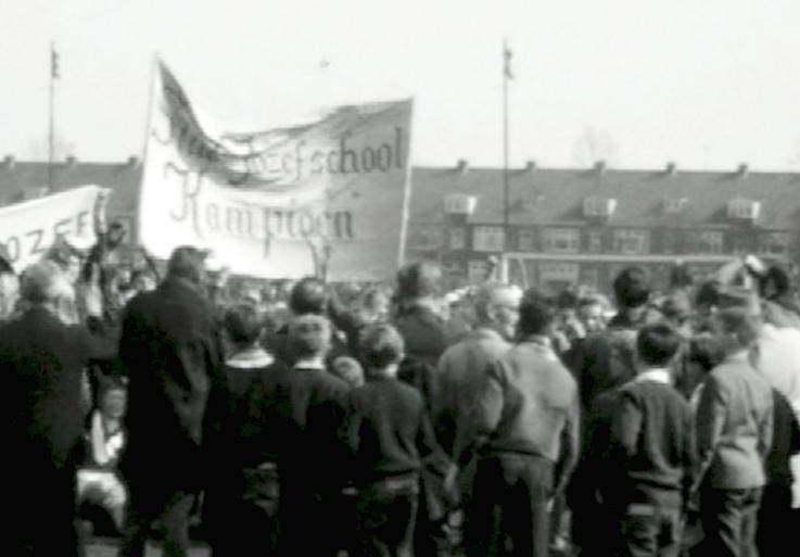 Bewegend Verleden: Schoolvoetbal, 1963 [video]